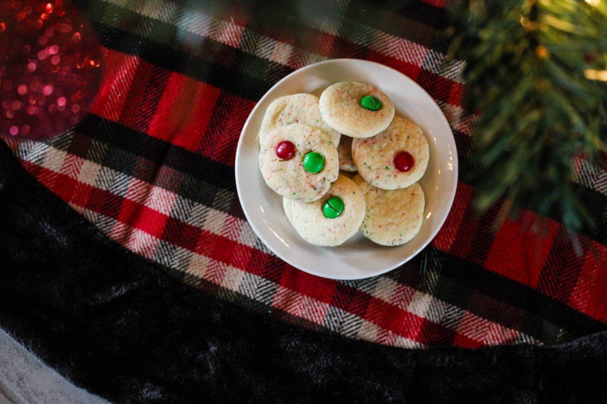 Easy Cake Mix Christmas Cookies!