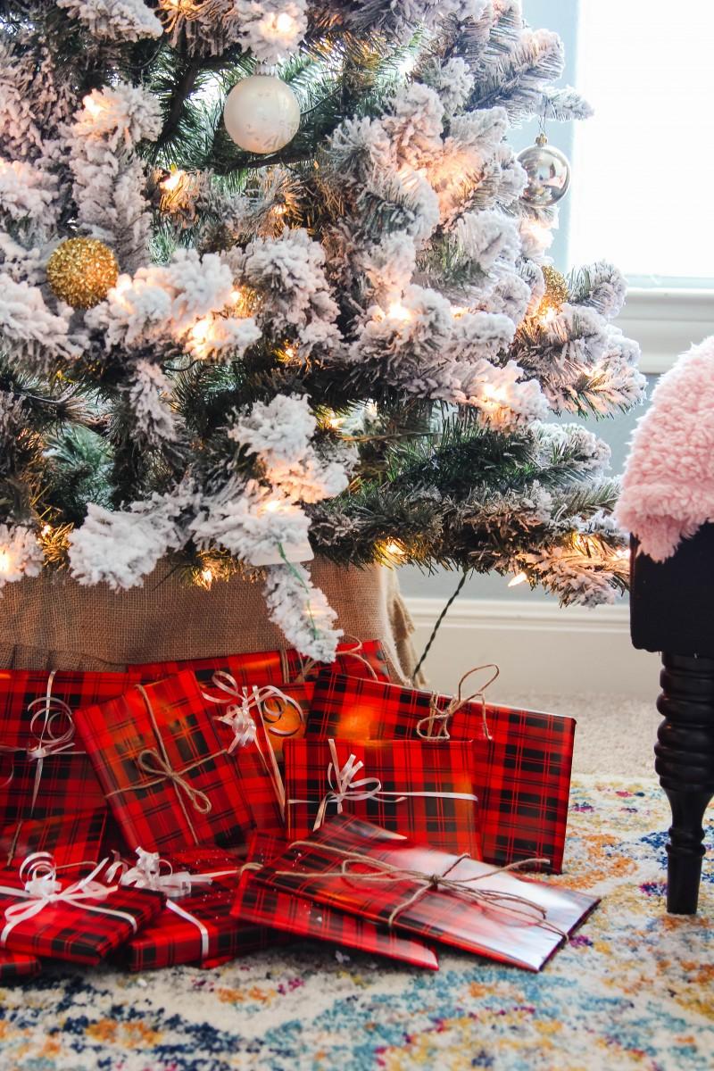 Book Advent Calendar, countdown to christmas, Christmas book. christmas book gift guide, toddler christmas books, christmas traditions
