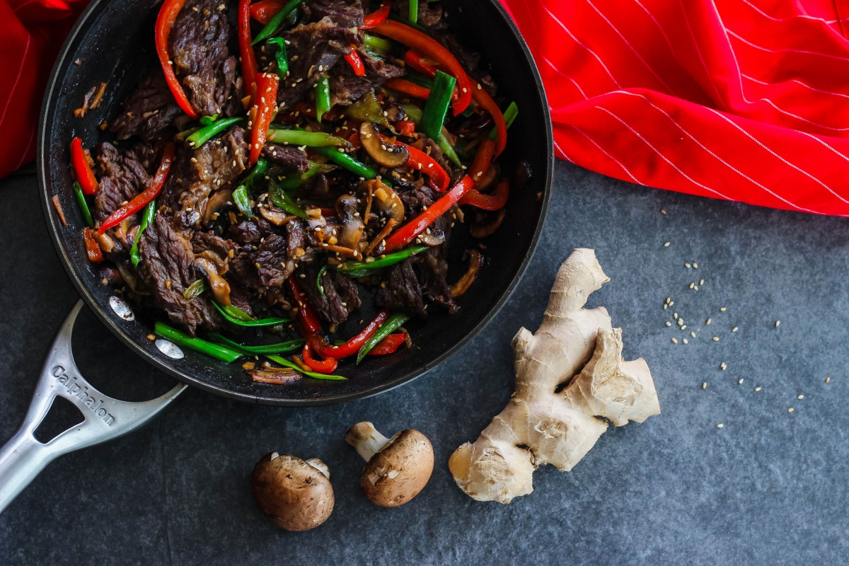 whole 30 dinner ideas, whole 30 asian recipes, fast paleo dinners, fast paleo lunches, whole 30 lunch ideas, whole 30 beef recipes, paleo beef recipes, mongolian beef recipe, quick asian stir fry, healthy asian recipes