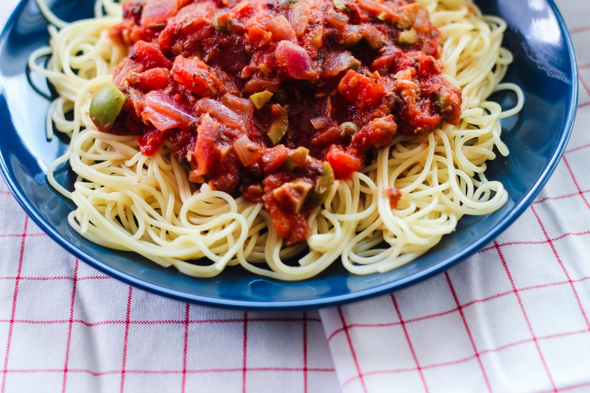 puttanesca sauce, easy puttanesca sauce, italian pasta sauce, easy pasta sauce recipe, pasta recipes, love alfa puttanesca